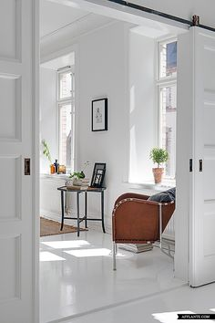 'White Sanctuary' – Lovely Swedish Apartment | Afflante.com