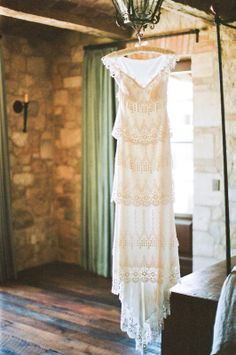 I wish more girls wore dresses like these...I love how it hangs so perfectly and elegantly on a beautiful woman.  Claire Pettibone dress.