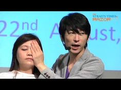 Taiwanese beauty guru Robin Niu (牛尔老师) shows us a surgery-free method of getting rid of our eyebags. Check it out!