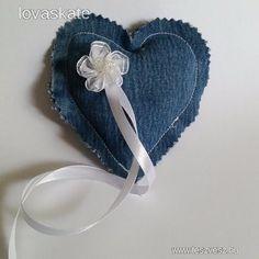 Esküvői farmer szív alakú organza virágos gyűrűpárna - 600 Ft - Nézd meg Te is Teszveszen - Gyűrűpárna - http://www.teszvesz.hu/item/view/?cod=2473840946