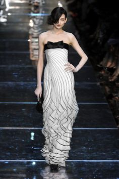 Black and white, best evening gown I've seen.