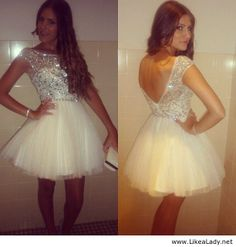 this is so cute. I'd totally wear it if I had the perfect event. I think it would bring out the little girl in me haha :)