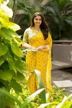 Keerthy Suresh in yellow saree photos at Nadigaiyar Thilagam Promotions. South Indian Actress Keerthy Suresh in saree photos. Actress Keerthi Suresh latest photos in saree. Most Beautiful Indian Actress, Beautiful Actresses, Yellow Saree, Thing 1, Indian Beauty Saree, Beautiful Saree, Beautiful Women, Hair Photo, South Indian Actress