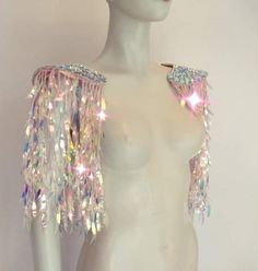 Festival Outfits, Festival Fashion, Festival Costumes, Look Disco, Space Costumes, Shoulder Jewelry, Cowgirl Costume, Rave Outfits, Rose Gold Color