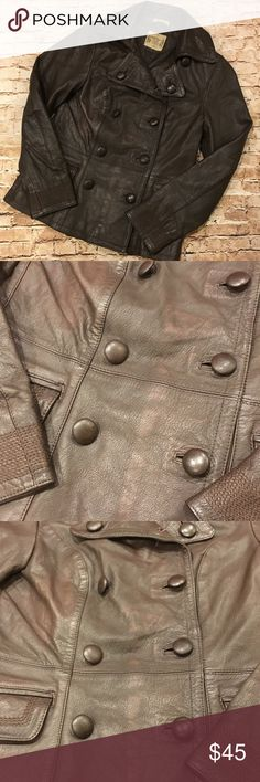 Ruff hewn Leather Jacket This Leather jacket is in great condition!! Was worn a couple times. I put in the picks the discoloration on the front of the jacket . I'm assuming it is was made like that . The buttons to me should be tighter, but was like that when we got it (manufactured errors of getting their products out fast ) 🙄 . This is a beautiful jacket..if it was my size I'd keep it . This jacket comes from a smoke and pet free home 🍁🍁 ruff hewn Jackets & Coats
