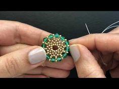 Pretty Beaded Bracelet For Festive Season. Crochet Beaded Bracelets, Beaded Earrings Patterns, Beaded Brooch, Jewelry Patterns, Beaded Jewelry, Jewellery, Jewelry Making Tutorials, Beading Tutorials, Jewelry Crafts