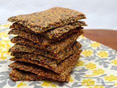 Gotta try these!! Easy Recipe for Healthy Gluten-Free Low-Carb Chia Flax Crackers