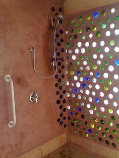 Blog de Decorar: Ideia barata, original e bonita: Incorpore Garrafas na Construção do seu Cafofo!