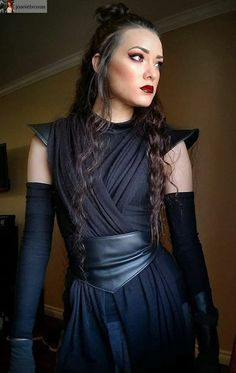 Female Sith (female Kylo maybe?) or Dark Rey…! Female Sith (female Kylo maybe?) or Dark Rey…! Related posts: Like this look! Costume Jedi, Jedi Cosplay, Female Cosplay, Female Jedi Costume, Kylo Ren Cosplay, Female Costumes, Comic Con Costumes, Character Costumes, Jedi Outfit
