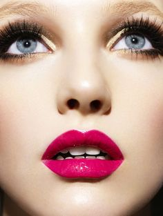 Makeup Should You Wear? Gold eyeshadow and pink lips.Gold eyeshadow and pink lips. Love Makeup, Makeup Tips, Makeup Looks, Makeup Lipstick, Red Lipsticks, Makeup Art, Flawless Makeup, Makeup Ideas, Summer Makeup