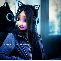 Jana is 13 and loves techno music. She's in robotics club and her favorite color is blue;}