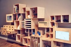 Box and Crate Shelves
