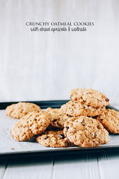 CRUNCHY OATMEAL COOKIES | EAT ME BLOG