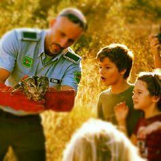 els nens amb el caro a la inauguració de l'escola de naturalistes  @escolalocaro