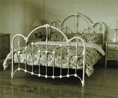 QUEEN NORMANDY BED - ANTIQUE WHITE
