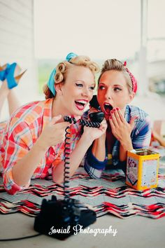 Jovial Photography: Styled Shoot, Best Friends, bandanas, vintage - My Photography - Fotoshooting Best Friend Pictures, Friend Photos, Poster Club, Best Friend Fotos, Pinup Photoshoot, Idda Van Munster, Retro, Pin Up, Best Friend Photography