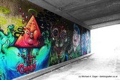 Stadtmalerei - Morbides Wien in Bunt Graffiti, Vienna, Bunt, Painting, Gray Walls, People, City, Canvas, Woman