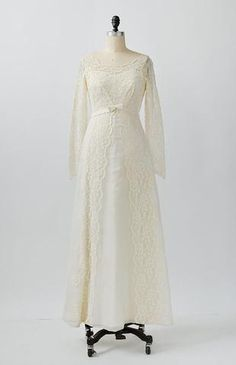 Vintage light ivory classic wedding dress with empire bodice and a-line silhoutte. Vintage dress has long sheer fitted sleeves, scoop neckline, and bo 1960s Wedding Dresses, Classic Wedding Dress, Wedding Gowns, 1960s Fashion, Scalloped Lace, 34c, Vintage Inspired, Dress Up, Feminine
