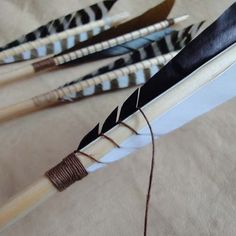 Arrows predate all recorded history and were common to most cultures which means they have been made for many centuries using only organic . Archery Arrows, Bow Arrows, Archery Hunting, Archery Targets, Deer Hunting, Camping Survival, Survival Tips, Survival Skills, Survival Stuff