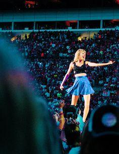 Taylor Swift   1989 World Tour 2015