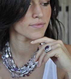 anello in argento ed ametista collana multifilo in perle d ametista