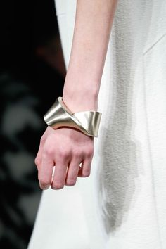 Fall 2015 Accessories Trends: Bags, Jewelry, Hats, Sunglasses: Glamour.com Narcisso Rodrigues