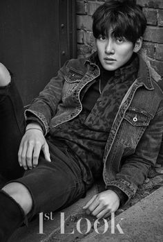 """Even in the gray city, his gaze that is filled with diverse narratives is shining with a strong presence. The deep charisma of actor Ji Chang Wook, who is back with his movie """"Fabricated City… Ji Chang Wook Smile, Ji Chang Wook Healer, Ji Chan Wook, Yeon Woo Jin, Cha Eun Woo, Asian Actors, Korean Actors, Korean Dramas, Healer Drama"""