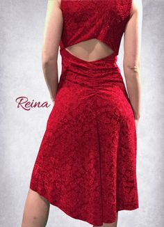 Very elegant dress red velvet with flowers with a back slit. Comfortable for dancing tango or any other occasion.  Available also in black velvet with flowers.  Size: S, M or send me your measurements, bust, waist, hips, waist-knees and height.   Size chart:  Small: Bust 86cm (34inches), Waist 71cm (28inches), Hips 94cm (37inches) Medium: Bust 96cm (38inches), Waist 81cm (32inches), Hips 102cm (40inches)  In case you have different measurements than the chart, send us you measurements and we…