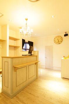 Beauty salon interior design ideas |  + reception + space + decor + Japan + antique + french + designs  | Follow us on https://www.facebook.com/TracksGroup <<<【Apaiser  レセプション】 アンティーク 美容室 内装