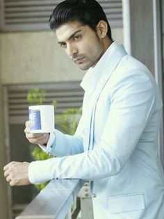 37 days out of social media 37 posts and this is post. Learn Singing, Singing Tips, King Of India, Gurmeet Choudhary, Indian Show, Love Sms, Indian Drama, Actors Images, Men Style Tips