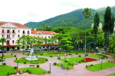 Poços de caldas Places To Travel, Places To Visit, Brazil, Golf Courses, Mansions, World, House Styles, City, Trips