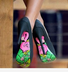 Obsessed with these heels from Kendall Jenner by 💖 Flamingo Everything this Summer! Dream Shoes, Crazy Shoes, Me Too Shoes, Pretty Shoes, Beautiful Shoes, Gorgeous Heels, Vetements Shoes, Mode Shoes, Hot High Heels