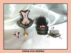 CORSETS Swags And Tails, Hat Tutorial, Tudor Style, Fashion Essentials, Miniature Dolls, Barbie Clothes, Corset, Diy Crafts, Big Shot