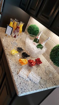 30 Ideas Little Girls Brunch Party Mimosa Bar Party Drinks, Fun Drinks, Yummy Drinks, Beverages, Wine Tasting Party, Wine Parties, Holiday Parties, Birthday Brunch, Easter Brunch