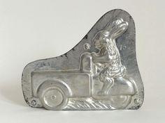 Alte Schokoladenform Hase Osterhase Auto Dreirad Metall Nr.4194 16 cm moule mold in Antiquitäten & Kunst, Alte Berufe, Bäcker & Konditor | eBay!