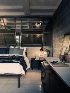 Vintage industrial style decor trends to make a lasting impression in your guests! Vintage Industrial Bedroom, Industrial House, Industrial Interiors, Industrial Style, Industrial Wallpaper, Industrial Stairs, Industrial Closet, Industrial Windows, Industrial Restaurant