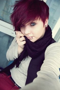 Short punk hair, Short emo hair how to cut hair emo girl style - Hair Style Girl Punk Pixie Cut, Punk Pixie Haircut, Pixie Haircuts, Dyed Pixie Cut, Short Emo Haircuts, Cute Pixie Cuts, Short Pixie, Coupes Emo, Medium Hair Styles