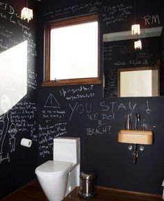 Would love an ombr tiled feature wall in a bathroom for Idee decoration toilette