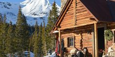 Scarp Ridge Lodge in Crested Butte, CO is the ultimate adventure destination #travel #roadtrips #roadtrippers