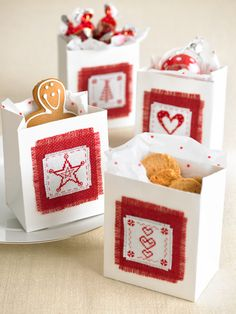 943200e99c76d Borrow a European custom and add tiny personalised favour bags to each  guest's place setting.