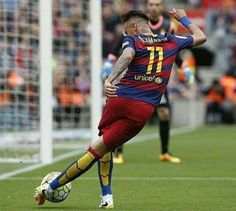Neymar doing Neymar things