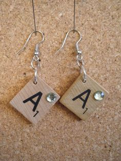 or any game pieces . - Scrabble Tile Earrings Scrabble Earrings … or any game pieces … endless … This image has get - Scrabble Tile Jewelry, Scrabble Tile Crafts, Jewelry Crafts, Jewelry Art, Beaded Jewelry, Bijoux Fil Aluminium, Diy Jewelry Holder, Recycled Jewelry, Homemade Jewelry
