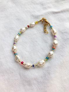 Daisy Bracelet, Seed Bead Bracelets, Crystal Bracelets, Pearl Bracelet, Cute Jewelry, Beaded Jewelry, Beaded Necklace, Jewlery, Swarovski Bracelet