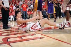 What did #YaoMing fracture in Game 3 of #NBA Playoff Semi-Finals? From #1 NBA Quiz App www.nbabasketballquizgame.com