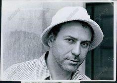 LG159 1975 Broadway Production Director Actor Alan Arkin Portrait Orig Photo