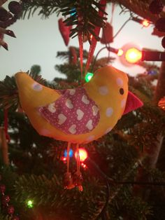 Christmas tree diy sewn decorations - http://artcave.eu/blog/christmas-tree-diy-decorations