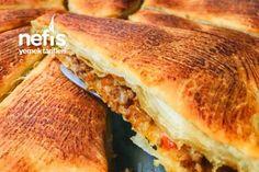 Muhacir Böreği (mayasız) Turkish Breakfast, Hot Dog Buns, Sandwiches, Recipies, Food And Drink, Bread, Cases, Recipe, Recipes