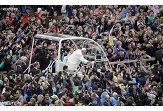 """""""¡Jesucristo ha resucitado! ¡Feliz Pascua a todos! Mensaje y bendición del Papa al mundo entero"""
