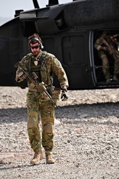 Corporal Ben Roberts Smith, SASR & VC recipient! What a gun!