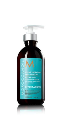 Moroccan Oil Hydrating Styling Cream is a lightweight, moisturizing formula that creates soft styles for a natural feel.